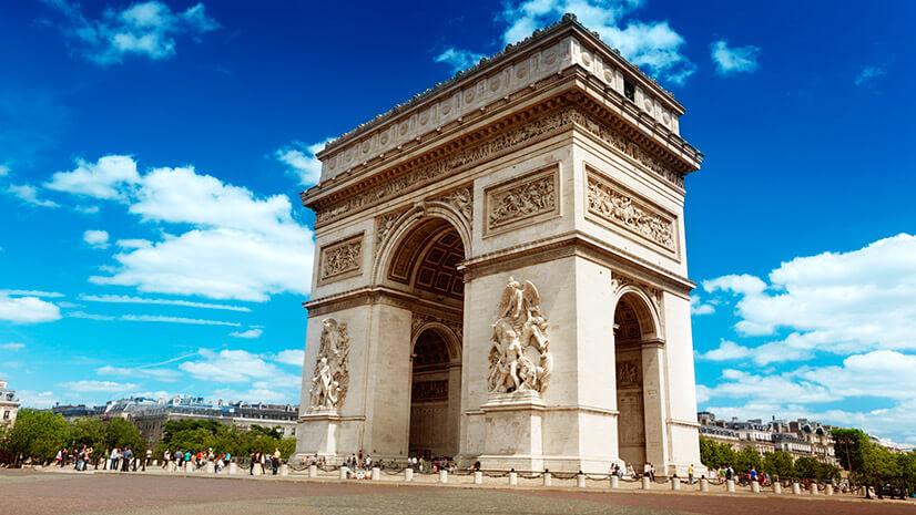 Парижская Триумфальная арка: история сооружения и правила посещения