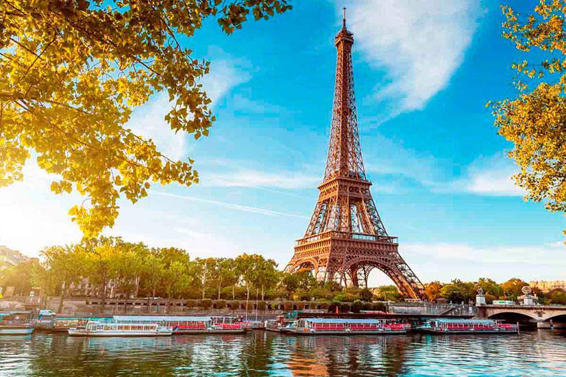 Символ Парижа - Эйфелева башня